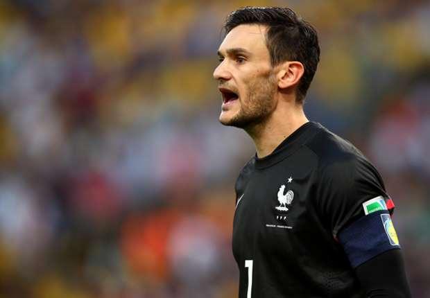 Hugo Lloris siap untuk adu penalti.