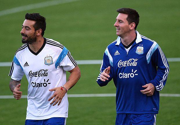 Lavezzi acompañará a Messi, en reemplazo de Agüero
