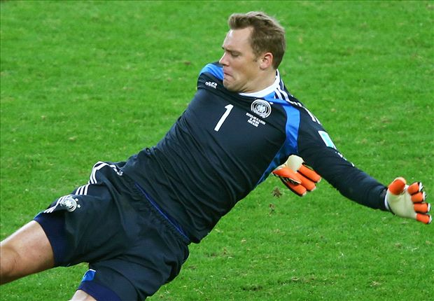Beckenbauer warns 'lucky' Neuer over risky sweeping