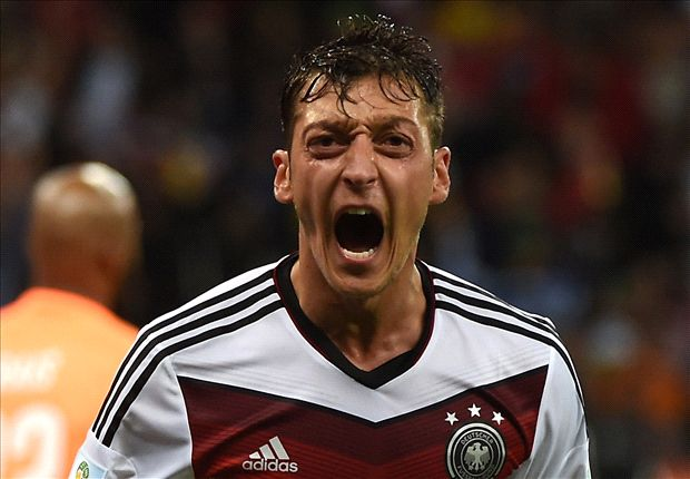 Hoddle: Ozil has been off the pace at World Cup