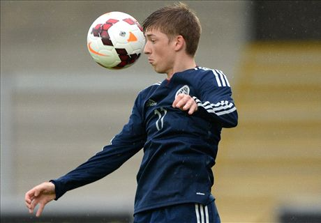 Teenager Gauld joins Sporting