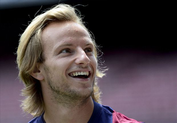 I thank God that I can play with Messi - Rakitic
