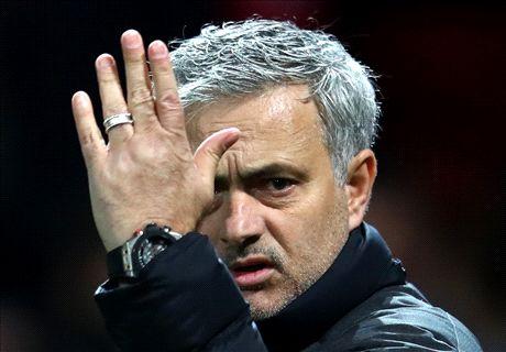 Mourinho scorns 'defensive' Liverpool