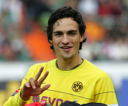 BVB-Verteidiger Mats Hummels wird vom FC Bayern München komplett an Borussia Dortmund verkauft (firo)
