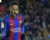 Neymar presenta a sus perros