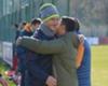 David Pizarro visitó el entrenamiento de Roma y se dio un gran abrazo con Totti