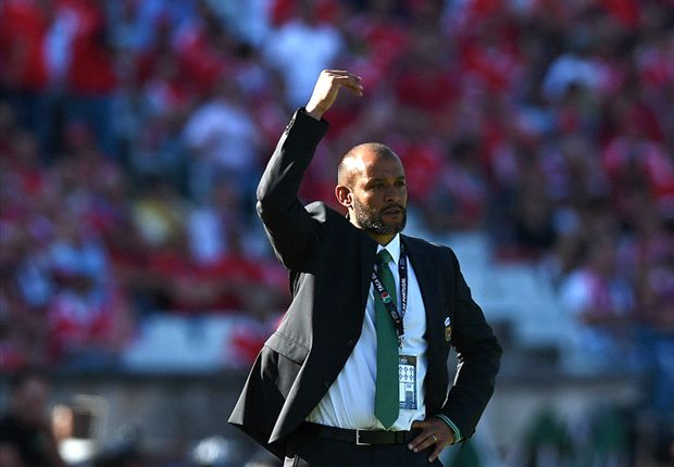 Valencia hire Nuno to replace Pizzi