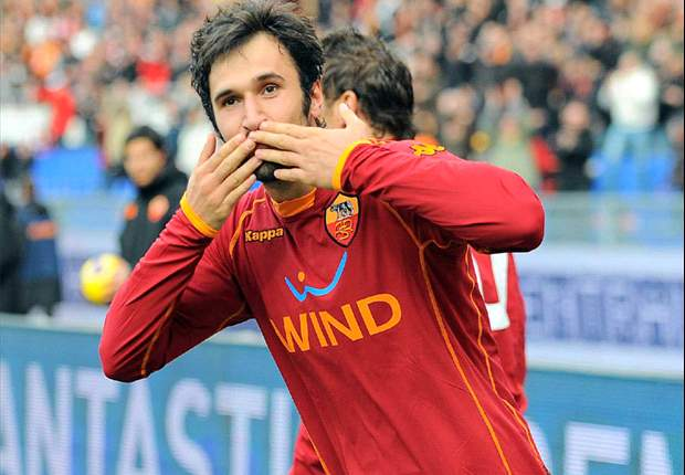 Roma's Mirko Vucinic: I Hope Barcelona Beat Manchester United
