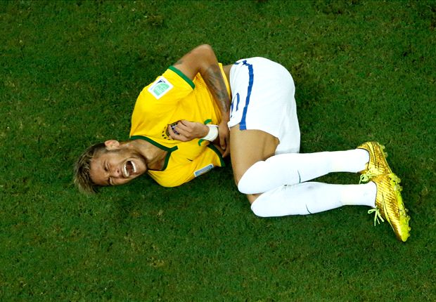 Neymar couldn't feel his legs after injury - Scolari