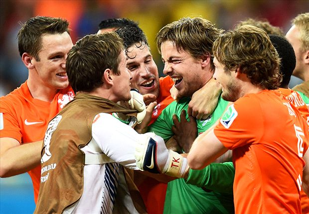 Netherlands 0-0 Costa Rica AET (Pens 4-3): Dutch through to semis after Krul gamble pays off