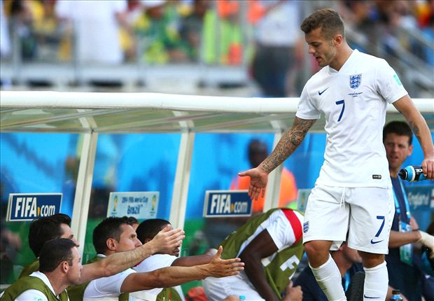 Cole urges Wilshere to quit smoking