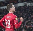 Van Ginkel trefzeker bij winnend PSV