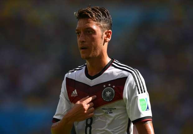 Vor dem Finale - und einer neuen Saison beim FC Arsenal: Mesut Özil