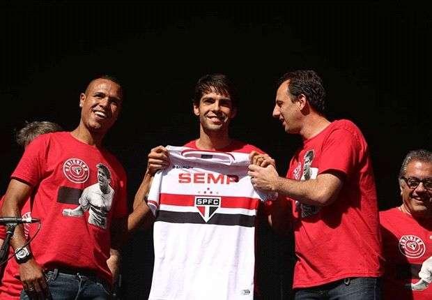 Agen Bola - Balik Ke Sao Paulo, Kaka Emosional
