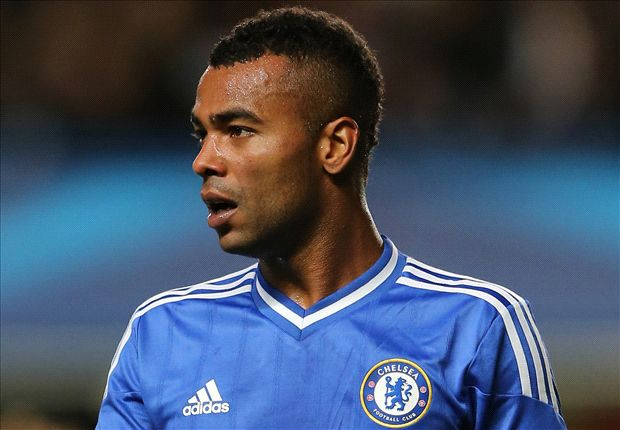 Roma confirms Ashley Cole signing