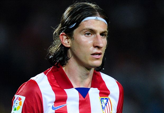 Official: Chelsea sign Filipe Luis