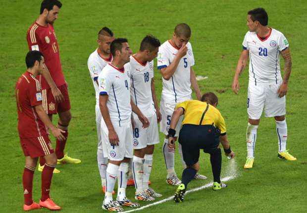 Vanishing spray set for Champions League
