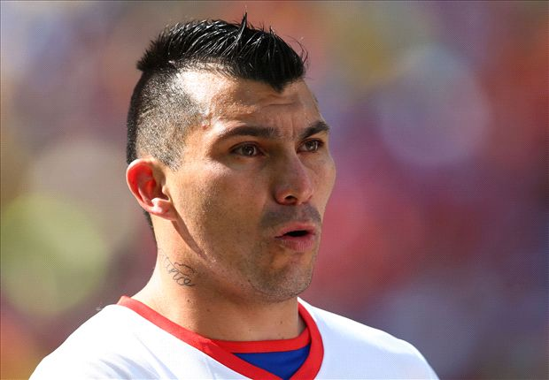 Cardiff City stand firm over Medel valuation