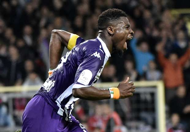 PSG takes Toulouse's Aurier on loan with option to buy