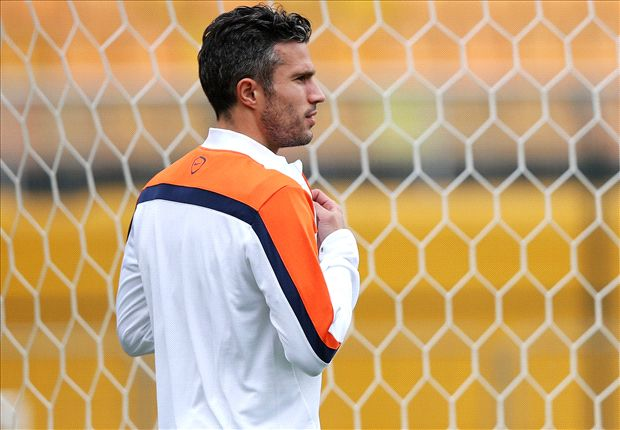 Van Persie an injury doubt for World Cup semi-final against Argentina