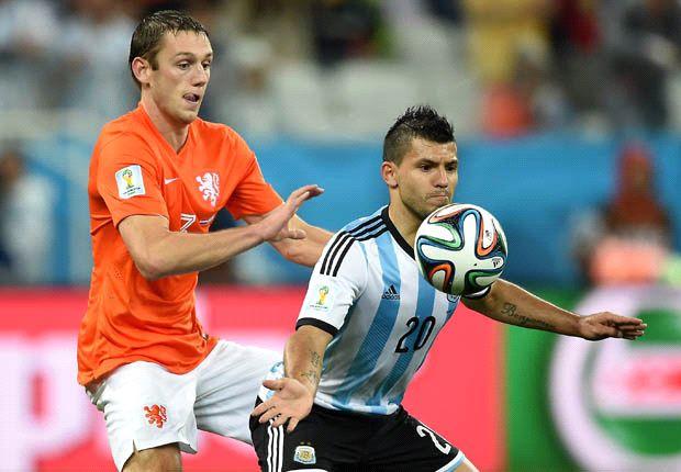 Argentinien gewinnt ein hart umkämpftes Spiel gegen die Niederlande