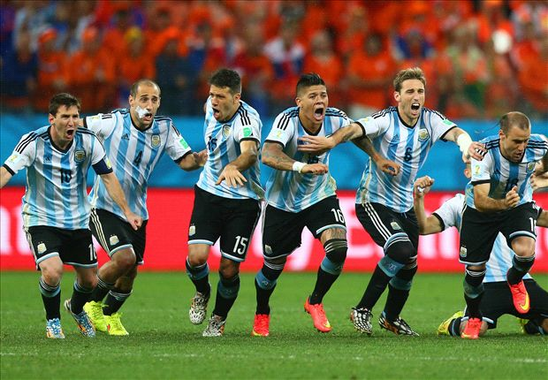 Messi outshone as Argentina limp into final