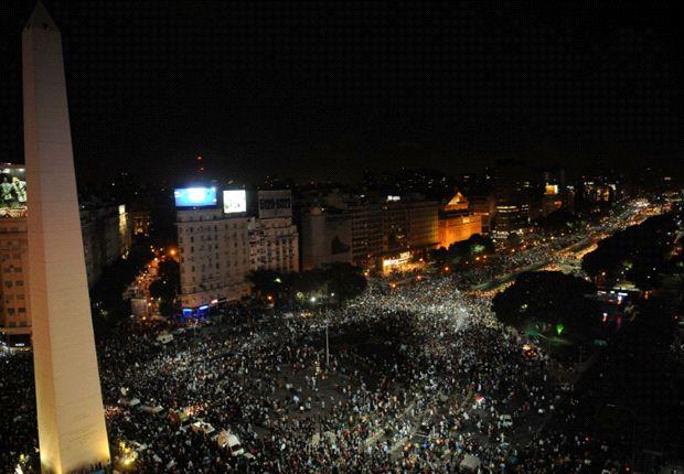 Miles de argentinos salieron a festejar el pase a la final