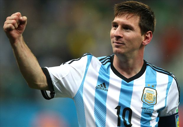 Maradona: I'll roll out the red carpet for Messi if he surpasses me on Sunday