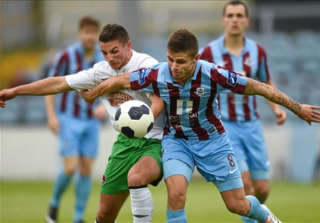 Cork City sign Holohan