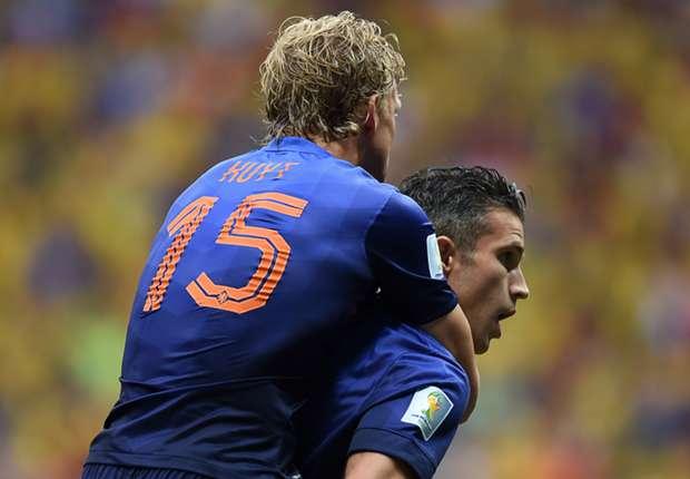 Agen Bola - Belanda Solid Berkat Robin Van Persie