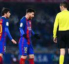 POLÉMICA   ¿Perdonó el árbitro la expulsión a Leo Messi?