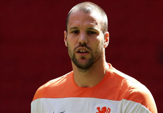 Vlaar: I will report to Aston Villa