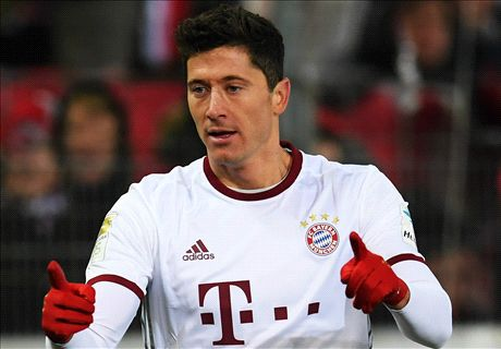 Lewandowski the hero again for Bayern