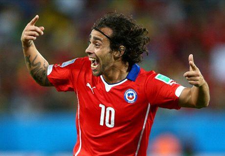 Chileen Valdivia zwaaide af tegen Oranje
