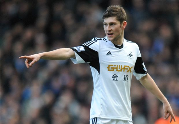 Liverpool edges ahead of Tottenham in Ben Davies race