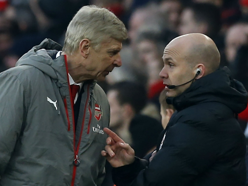'I should have shut up and I apologise' - Wenger sorry for ref rant