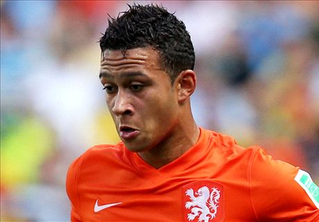 Van Gaal tells Depay: Wait for Man Utd