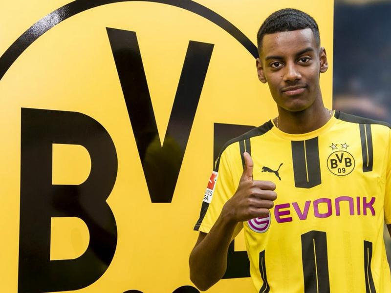 OFFICIEL - Alexander Isak quitte l'AIK et signe à Dortmund