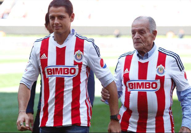 Chicharito appears at Estadio Omnilife