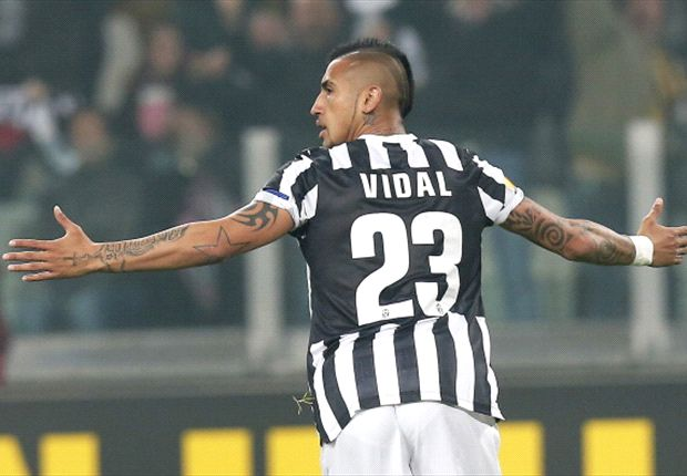 Manchester United should not give up on Vidal, say Goal readers