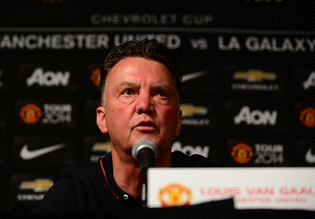 Van Gaal unhappy with Mourinho jibe