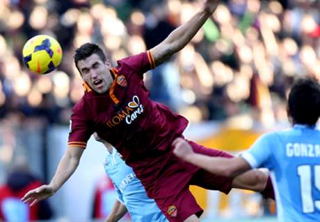 Garcia: Strootman not joining United