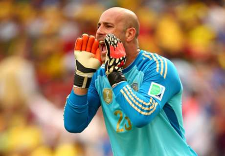Reina claims he'll stay at Liverpool