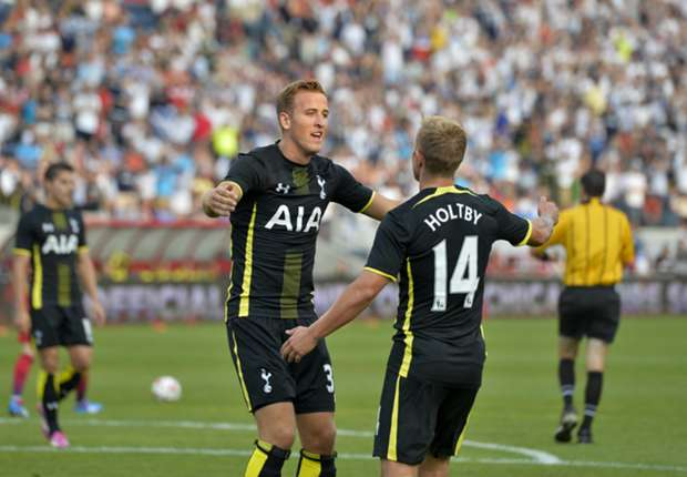 Tottenham's Harry Kane and Lewis Holtby