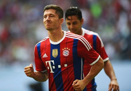 Watch Lewy's double for Bayern