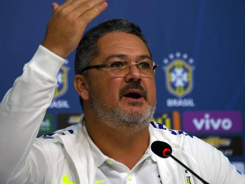 Micale quitte les Espoirs du Brésil