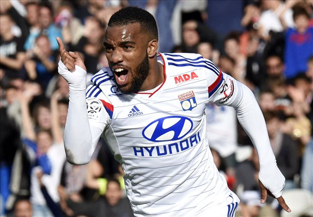 Lacazette signs new Lyon deal as Gourcuff accepts pay cut