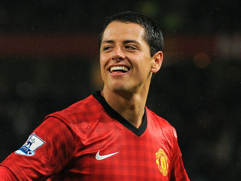 Reports claim offers from Juventus and Valencia for Chicharito