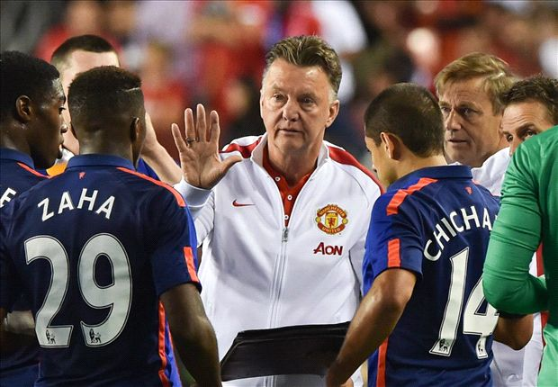 Van Gaal to decide futures of Manchester United fringe players