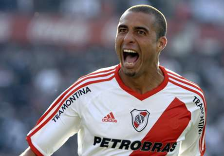 FC Pune City sign David Trezeguet